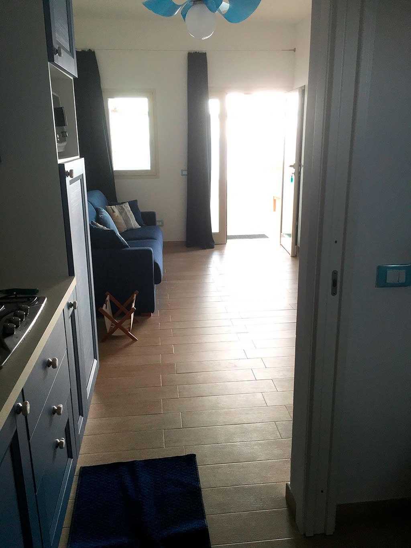 Cucina salotto appartamento in affitto vacanze lampedusa - Cucina e salotto ...