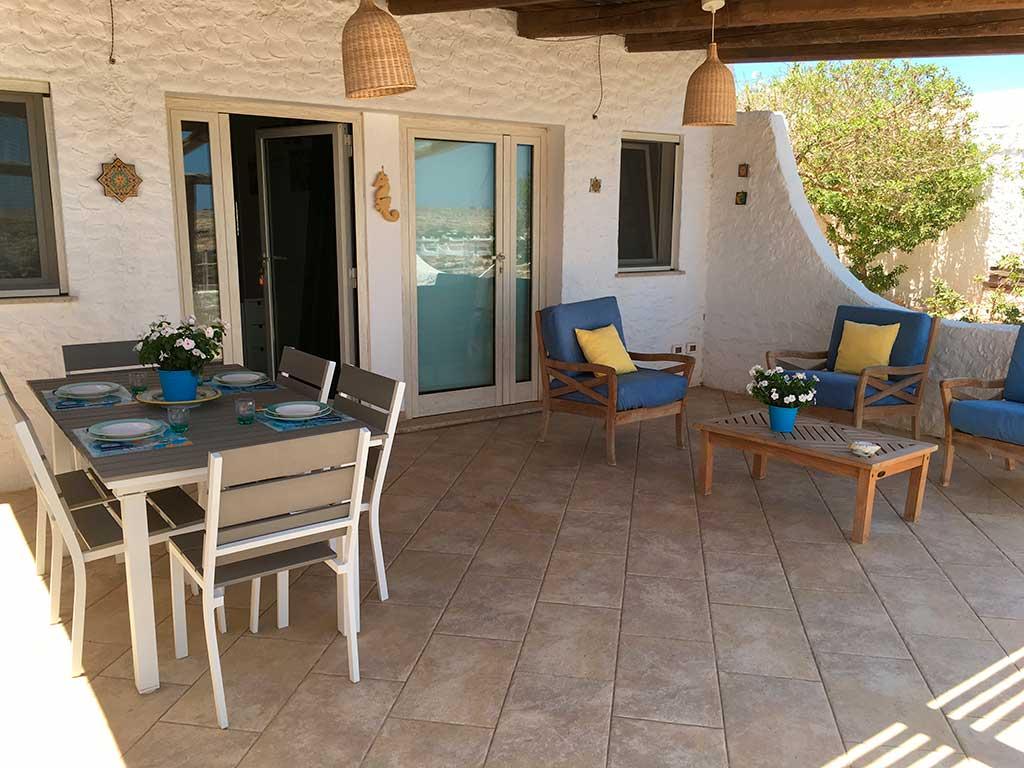 Appartamento in affitto bilocale con vista mare veranda - Veranda in giardino ...