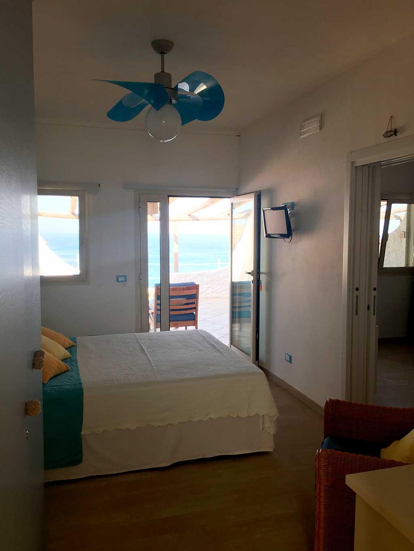 Camera matrimoniale doppia con bagno appartamento Lampedusa