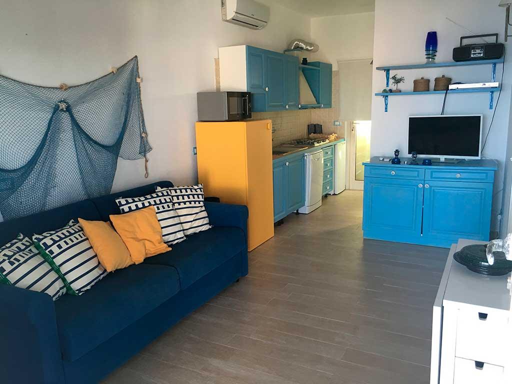 Cucina salotto appartamento in affitto vacanze lampedusa for Cucina salotto